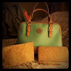 Handbag mint color with wallet and accessories bag
